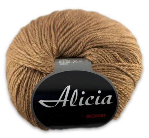 Alicia von Bremont International Yarns